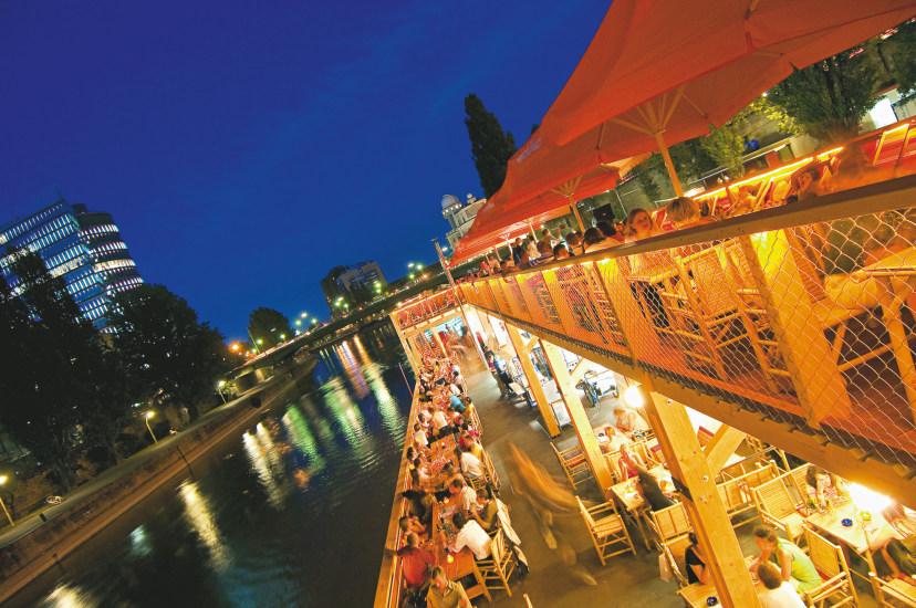 Wien-für-Nachtschwärmer-Motto-am-Fluss-Slide-3_g